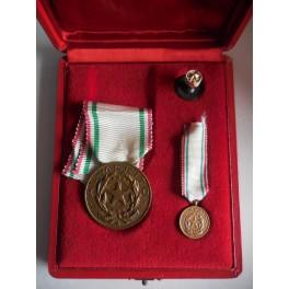 Set medaglia al merito della Croce Rossa Italiana CRI