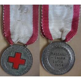 Medaglia per le infermiere della Croce Rossa Italiana